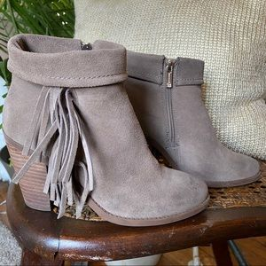 Jessica Simpson Callaghan Suede Taupe Booties Sz 7